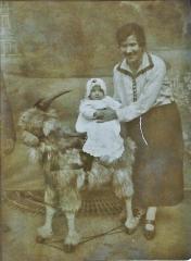 1925 Maman Odette Démonnaz à 5 mois (2).jpg